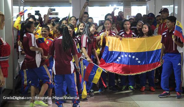 recibimiento_venezuela_sub17_05042014