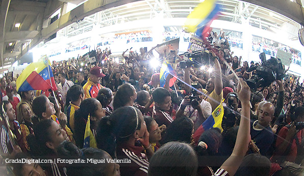 venezuela_recibimiento_sub17_05042014