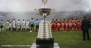 De España a las vitrinas del campeón: el trofeo que disputan Mineros y Zamora