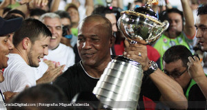 FOTOS | Así Noel Sanvicente ha festejado sus siete títulos como DT