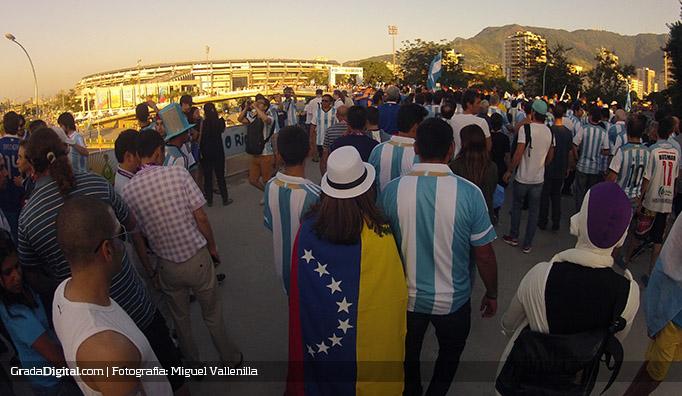 aficionada_venezuela_argentina_bosniah_15062014_2