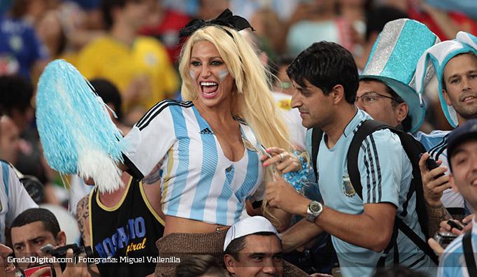 aficionada_xipolitaki_argentina_bosniah_15062014
