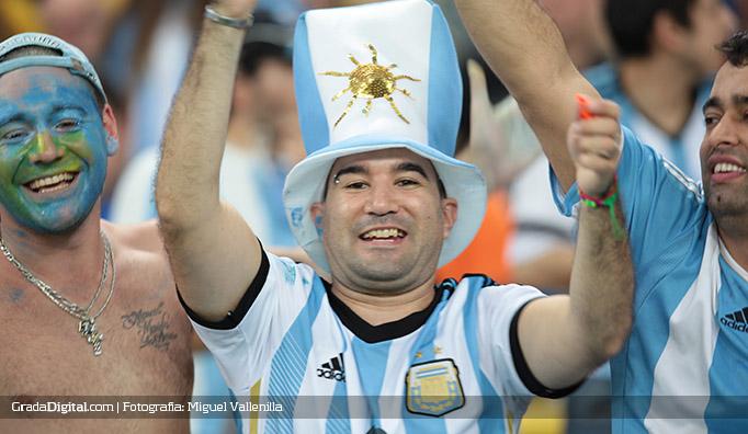 aficionados_argentina_bosniah_16062014_2