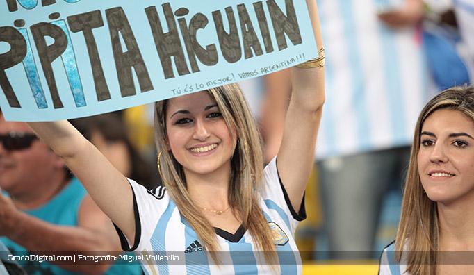 aficionados_argentina_bosniah_16062014_4
