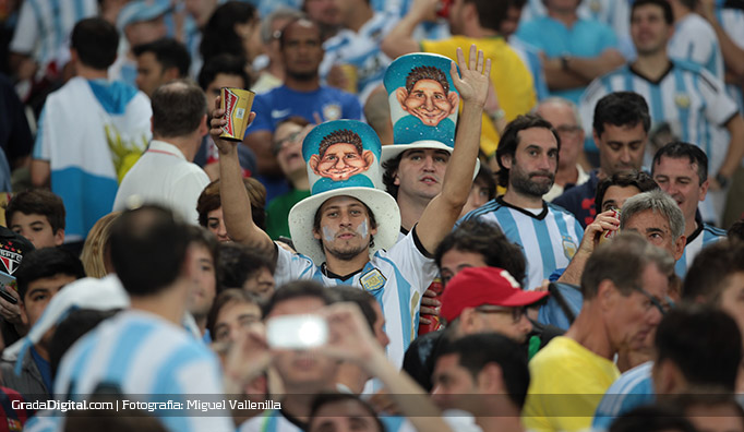 aficionados_argentina_bosniah_16062014_5