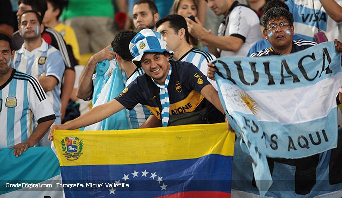 aficionados_argentina_bosniah_16062014_6