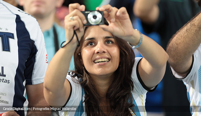 aficionados_argentina_bosniah_16062014_7