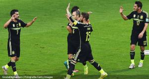 España hizo las maletas goleando a Australia