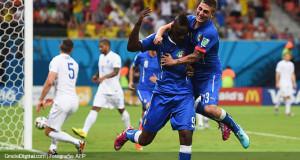 Cabezazo de Balotelli le dio la victoria a Italia