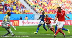 Suiza remontó y venció a Ecuador