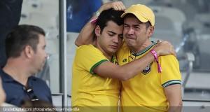 Los hinchas brasileños reciben a la selección al grito de «Fuera Dunga»
