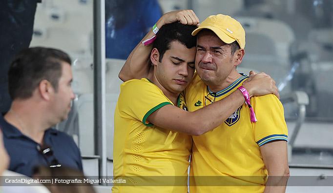 aficionados_brasil_alemania_08072014