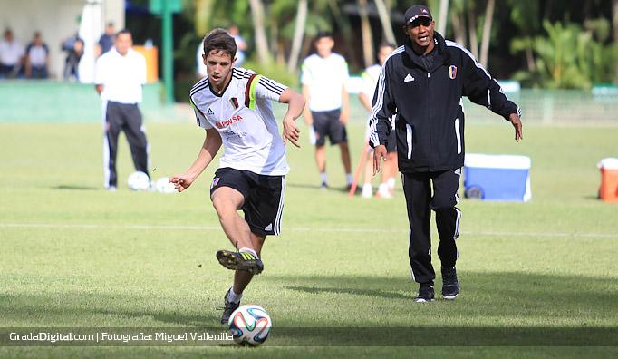 francisco_la_mantia_entrenamiento_venezuela_13082014
