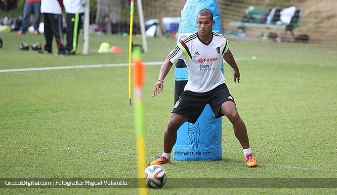 gelmin_rivas_entrenamiento_venezuela_11082014