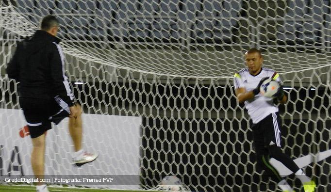 renny_vega_entrenamiento_venezuela_seul_bucheonstadium_04092014