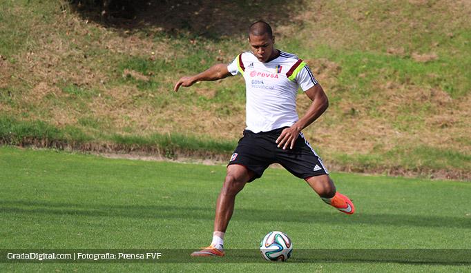 salomon_rondon_entrenamiento_venezuela_vinotinto_2_08102014
