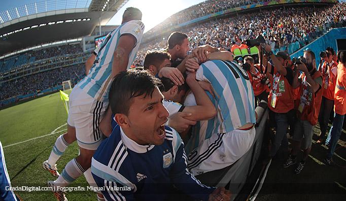 aguero_dimaria_messi_argentina_suiza_01072014