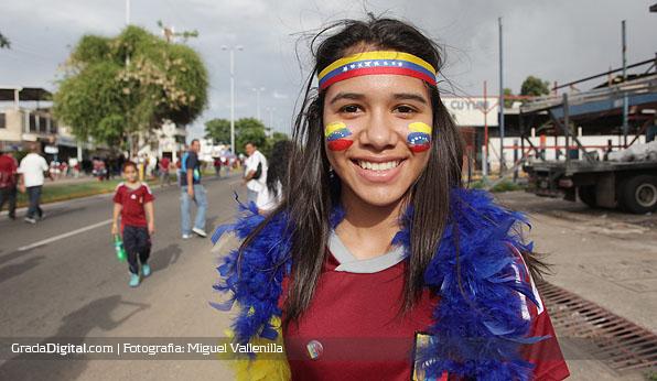 aficionada_venezuela_uruguay_11062013