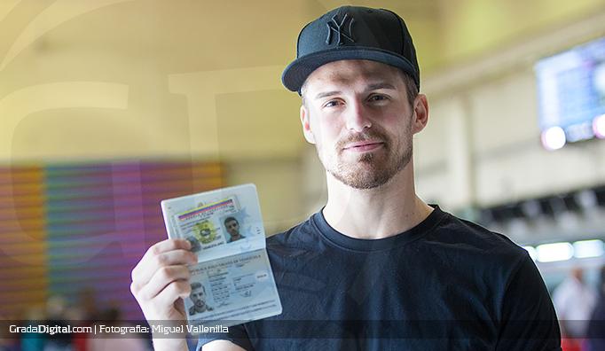 christian_santos_venezuela_vinotinto_pasaporte_cedula_28012015_2