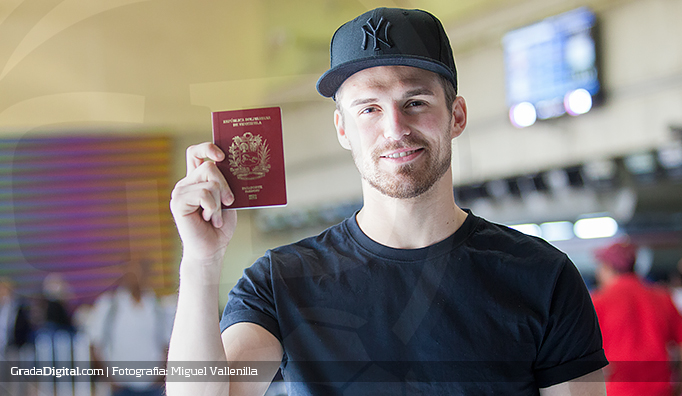 christian_santos_venezuela_vinotinto_pasaporte_cedula_28012015_3