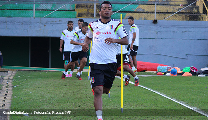 luis_cariaco_gonzalez_venezuela_entrenamiento_honduras_03022015