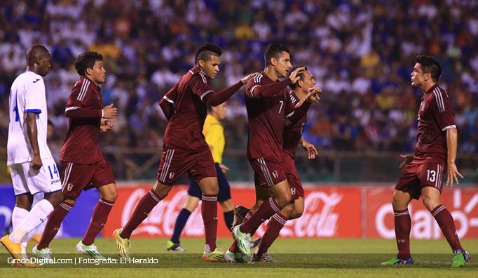 richard_blanco_juan_fuenmayor_honduras_venezuela_04022015