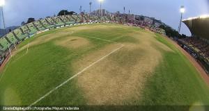 +FOTOS | Ingresa y opina: ¿Quién es el responsable del estado de la grama del Olímpico de la UCV?