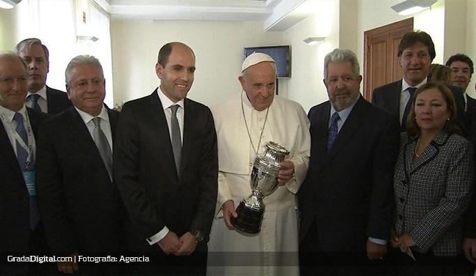 rafael_esquivel_papa_francisco_vaticano_21042015_2