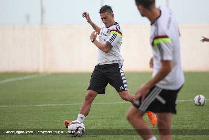 rafael_acosta_entrenamiento_venezuela_copaamerica_21052015