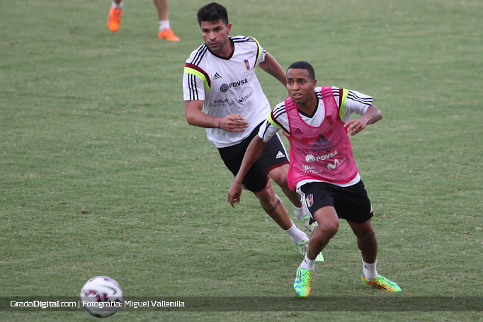 yohandry_orozco_franklin_lucena_entrenamiento_venezuela_copaamerica_21052015