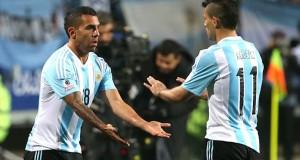 Tevez afirma que disfruta desde el banco el juego de Argentina