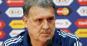 Martino preocupado por los árbitros y la baja efectividad de Argentina