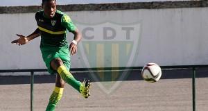 Jhon Murillo asiste gol en amistoso del Tondela