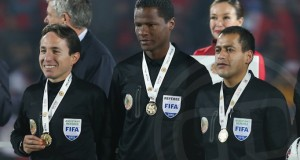 +FOTOS | El árbitro venezolano José Argote premiado en la Final de la Copa América