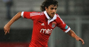 El Benfica homenajea a Aimar