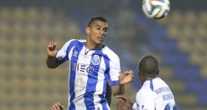 Víctor García entre los 26 jugadores del Porto que acudirán a la gira por Alemania y Holanda