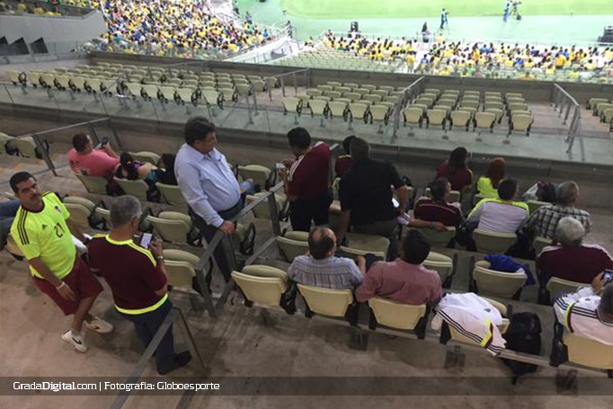 aficionados_venezuela_brasil_venezuela_13102015