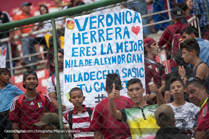 aficion_veronica_herrera_venezuela_paraguay_sudamericanosub17_17032016_1_6