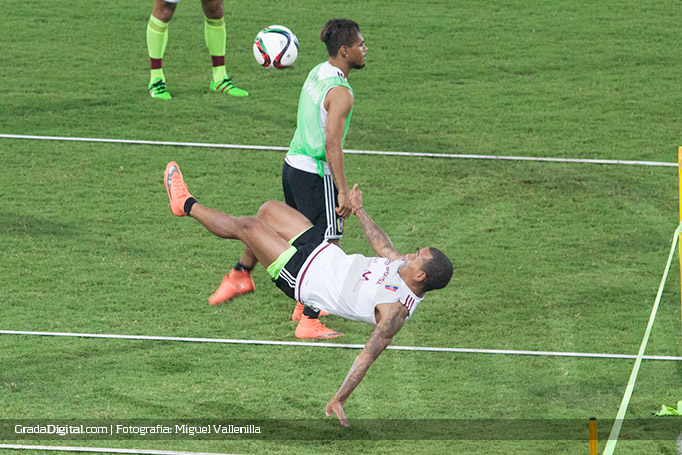 romulo_oetro_entrenamiento_venezuela_28032016