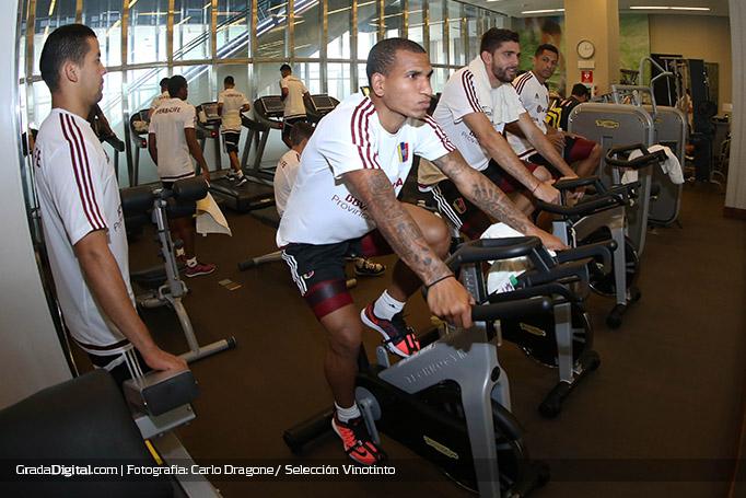 romulo_otero_entrenamiento_venezuela_lima_22032016