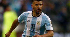 """Agüero: """"Cuanto más contacto tenga Messi con la pelota, mejor"""""""