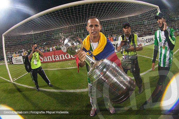 alejandro_lobo_guerra_atletico_nacional_campeon_copa_libertadores_27072016