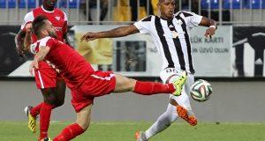 Neftçi de Edson Castillo avanza a la segunda ronda de la Europa League