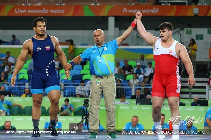 erwin_caraballo_lucha_grecorromana_juegos_olimpicos_rio_15082016_1