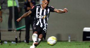 +VIDEO | ¡GOLAZO! Rómulo Otero anota de tiro libre en goleada del Atlético Mineiro