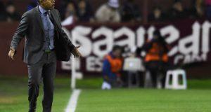 César Farías niega acuerdo para volver al banco de The Strongest