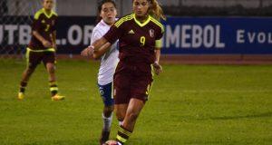 """Deyna Castellanos: """"Me siento orgullosa de mis compañeras"""""""