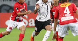 El Lara puso resistencia pero no le alcanzó ante Corinthians