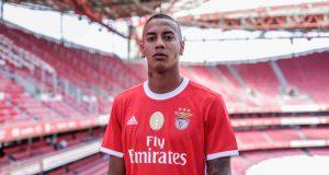 Benfica presenta al delantero venezolano Jhonder Cádiz