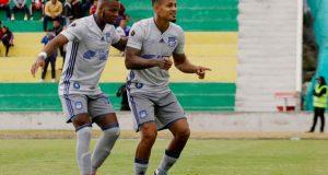 Edwuin Pernía abre ruta de Emelec a Playoffs